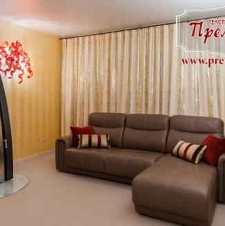 Дизайн штор в золотую гостиную