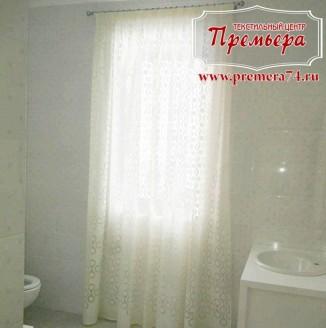 Легкая штора для ванной комнаты