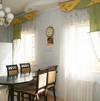 Римские шторы для кухни в современном стиле