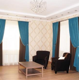Классические шторы в большую гостиную