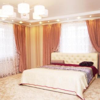 Терракотовые шторы в спальню