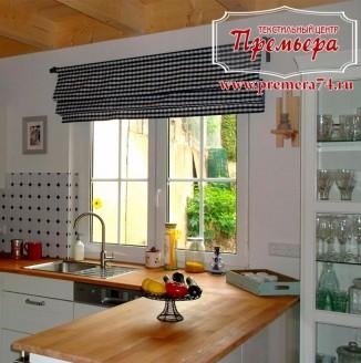 Декорирование кухни римскими шторами