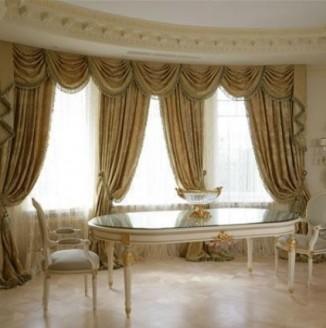 Классические бархатные шторы в столовую