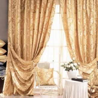 Золотые шторы для гостиной