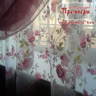 Цветочные шторы на веранду