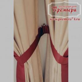 Прямые шторы на красной ленте