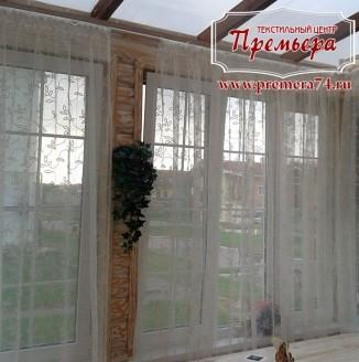 Прозрачные шторы на веранду частного дома