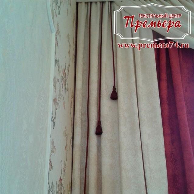 Бархатная штора в классическом стиле