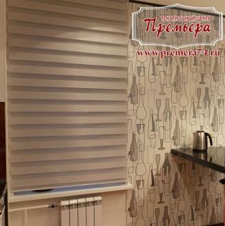 Римские шторы на кухню в студии