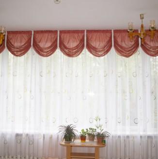 Красные шторы для детского дома №14