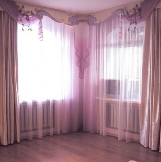 Розовые шторы для коридора