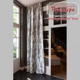 Прямые шторы в современной гостиной