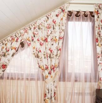 Светлые шторы для спальни