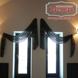 Стильная декоративная занавеска на узкое окно