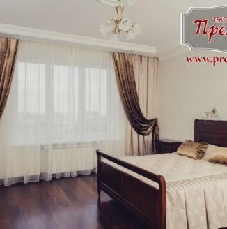Текстильное оформление спальни из коричневого бархата