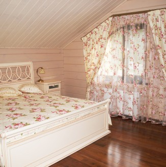 Шторы для спальни в стиле кантри