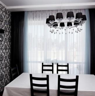 Черные шторы для столовой в современном стиле