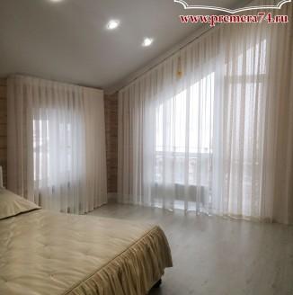 Текстильное оформление спальни на мансарде