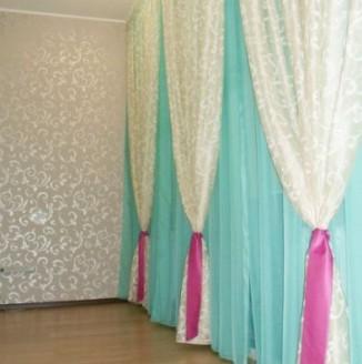 Оформление лоджии шторами в восточном стиле