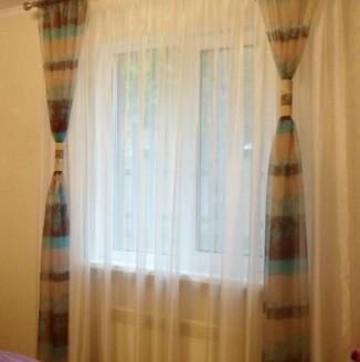 Шторы в спальню для гостей в современном стиле