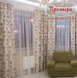 Прямые шторы в квартиру-студию