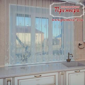 Занавеска на кухонное окно
