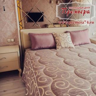 Оформление спальни в классическом стиле тканью шоколадного оттенка