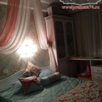 Текстильное оформление спальни с нежным балдахином